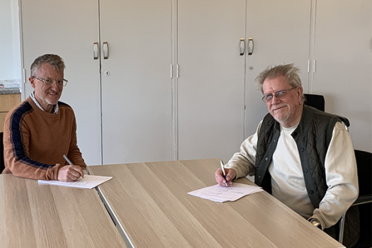 Voluntary Action Lewisham chair and METRO company secretary sign business transfer agreement